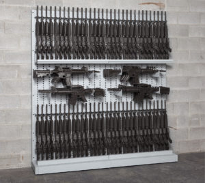 expandable-rifles-weapons-rack-with-80-m4